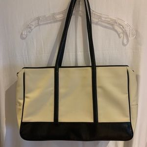 Ann Taylor Tote • lots of pockets & compartments